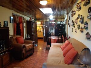Casa En Ventaen Guadalupe, Goicoechea, Costa Rica, CR RAH: 21-2498
