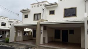 Casa En Alquileren Hatillo, San Jose, Costa Rica, CR RAH: 21-2503