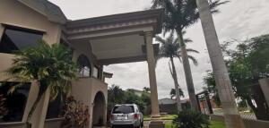 Casa En Ventaen Guachipelin, Escazu, Costa Rica, CR RAH: 21-2504