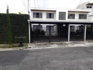 Apartamento En Alquileren Curridabat, Curridabat, Costa Rica, CR RAH: 21-2507