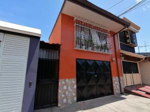 Casa En Ventaen Heredia Centro, Heredia, Costa Rica, CR RAH: 21-2513