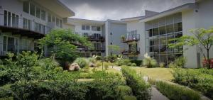 Apartamento En Alquileren Rio Oro, Santa Ana, Costa Rica, CR RAH: 21-2508