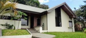 Casa En Ventaen San Ramon, San Ramon, Costa Rica, CR RAH: 21-2529