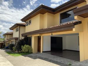 Casa En Alquileren Rio Oro, Santa Ana, Costa Rica, CR RAH: 21-2537