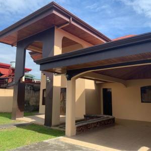 Casa En Ventaen Limon Centro, Siquirres, Costa Rica, CR RAH: 21-2542