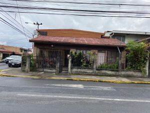 Casa En Ventaen Heredia Centro, Heredia, Costa Rica, CR RAH: 21-2567