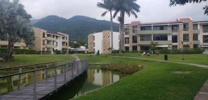 Apartamento En Alquileren Rio Oro, Santa Ana, Costa Rica, CR RAH: 22-17