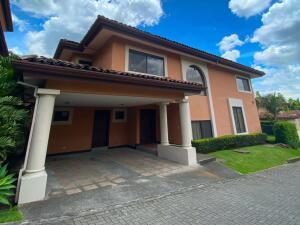 Casa En Alquileren San Miguel, Escazu, Costa Rica, CR RAH: 22-24