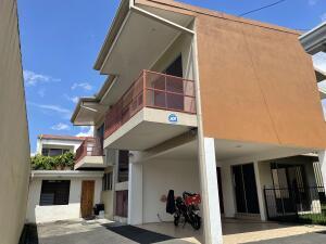 Casa En Alquileren Bello Horizonte, Escazu, Costa Rica, CR RAH: 22-34