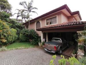 Casa En Ventaen Escazu, Escazu, Costa Rica, CR RAH: 22-26