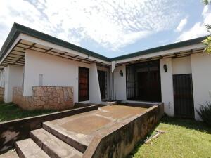 Casa En Ventaen Guadalupe, Goicoechea, Costa Rica, CR RAH: 22-27