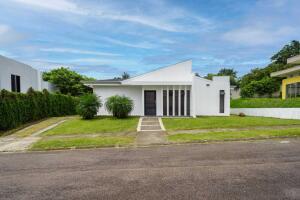 Casa En Alquileren La Garita, Alajuela, Costa Rica, CR RAH: 22-310