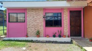 Casa En Ventaen Santa Ana, Santa Ana, Costa Rica, CR RAH: 21-964