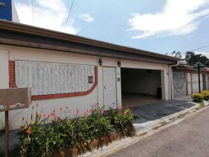 Casa En Ventaen Santo Domingo, Santo Domingo, Costa Rica, CR RAH: 22-38