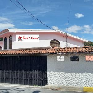 Casa En Alquileren Santa Ana, Santa Ana, Costa Rica, CR RAH: 22-63