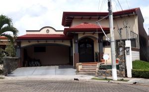 Casa En Ventaen Puente De Piedra, Grecia, Costa Rica, CR RAH: 22-47