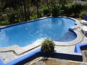 Apartamento En Alquileren Altos Paloma, Santa Ana, Costa Rica, CR RAH: 22-68
