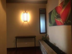 Apartamento En Alquileren San Antonio, Escazu, Costa Rica, CR RAH: 22-73