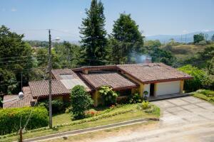 Casa En Ventaen San Rafael - La Union, Montes De Oca, Costa Rica, CR RAH: 22-82