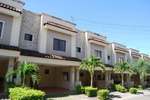 Casa En Alquileren Santa Ana, Santa Ana, Costa Rica, CR RAH: 22-83