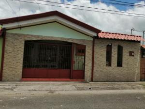 Casa En Ventaen Turrialba, Turrialba, Costa Rica, CR RAH: 22-97