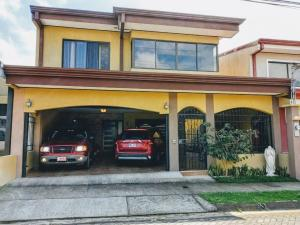 Casa En Alquileren Desamparados, Alajuela, Costa Rica, CR RAH: 22-98