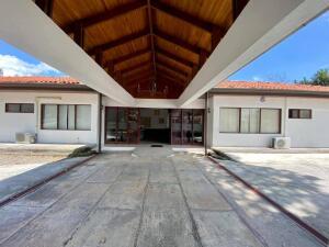 Local Comercial En Ventaen Santa Ana, Santa Ana, Costa Rica, CR RAH: 22-122