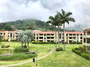 Apartamento En Alquileren Rio Oro, Santa Ana, Costa Rica, CR RAH: 22-128