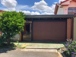 Casa En Ventaen Mercedes Norte, Heredia, Costa Rica, CR RAH: 22-142