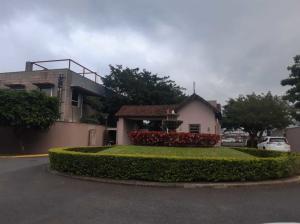 Casa En Ventaen Pozos, Santa Ana, Costa Rica, CR RAH: 22-141