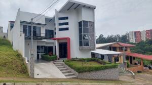Casa En Ventaen Santo Domingo, Santo Domingo, Costa Rica, CR RAH: 22-103
