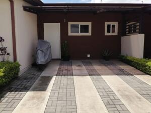 Casa En Ventaen San Rafael De Alajuela, San Rafael De Alajuela, Costa Rica, CR RAH: 22-229