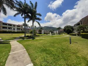 Apartamento En Alquileren Rio Oro, Santa Ana, Costa Rica, CR RAH: 22-236