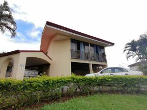 Casa En Alquileren La Guacima, Alajuela, Costa Rica, CR RAH: 22-251