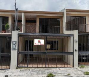 Casa En Ventaen San Juan - La Union, Curridabat, Costa Rica, CR RAH: 22-270