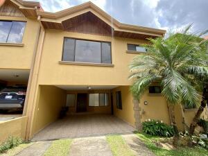 Casa En Ventaen San Rafael, Montes De Oca, Costa Rica, CR RAH: 22-306