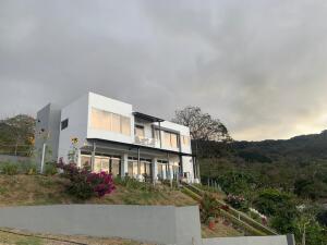 Casa En Ventaen San Antonio, Escazu, Costa Rica, CR RAH: 22-312