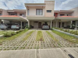 Casa En Ventaen Santo Domingo, Santo Domingo, Costa Rica, CR RAH: 22-326