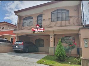 Casa En Ventaen Alajuela Centro, Alajuela, Costa Rica, CR RAH: 22-335