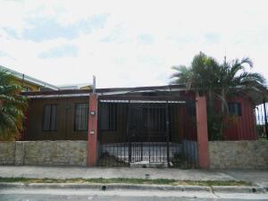 Casa En Ventaen Santa Ana, Santa Ana, Costa Rica, CR RAH: 22-347