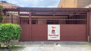 Casa En Ventaen San Sebastian, San Jose, Costa Rica, CR RAH: 22-348