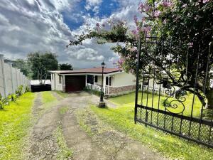 Casa En Ventaen Santa Barbara, Santa Barbara, Costa Rica, CR RAH: 22-358