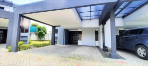 Casa En Alquileren Belen, Belen, Costa Rica, CR RAH: 22-359