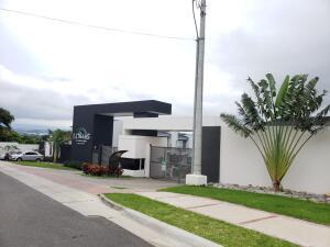 Casa En Ventaen Brasil De Santa Ana, Santa Ana, Costa Rica, CR RAH: 22-360