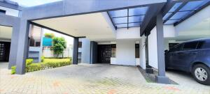 Casa En Alquileren Belen, Belen, Costa Rica, CR RAH: 22-362