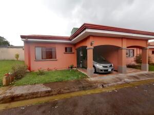 Casa En Ventaen Guadalupe, Goicoechea, Costa Rica, CR RAH: 22-379