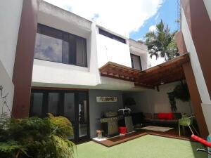 Casa En Ventaen Rohrmoser, San Jose, Costa Rica, CR RAH: 22-380