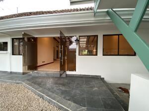 Casa En Ventaen Rio Oro, Santa Ana, Costa Rica, CR RAH: 22-382