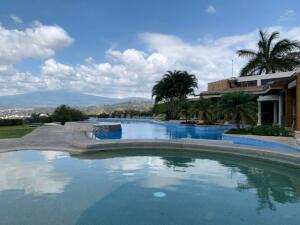 Apartamento En Ventaen Rio Oro, Santa Ana, Costa Rica, CR RAH: 22-449
