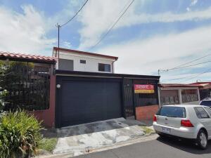 Casa En Ventaen Guadalupe, Goicoechea, Costa Rica, CR RAH: 22-425